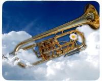 Tapis de souris 23 cm x 19 cm : Trompette dans les nuages