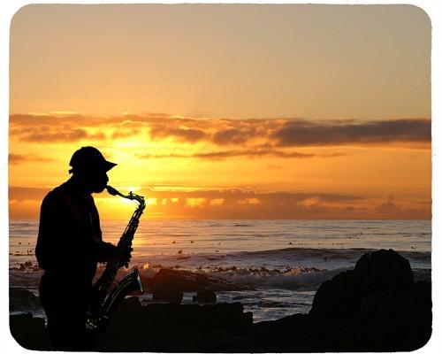 Tapis de souris 23 cm x 19 cm : Saxophoniste sur une plage