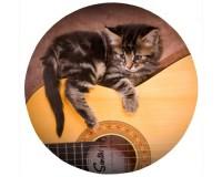 Tapis de souris rond : Chaton sur une guitare